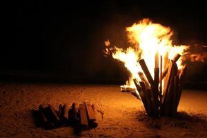 fuoco di bivacco foto