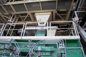 dettaglio della fabbrica di cemento con setacci