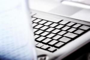 laptop moderno ed elegante. foto