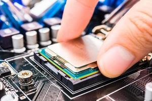 chip del computer di installazione foto