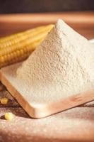 farina di mais setacciata