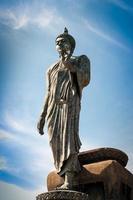Buddha in piedi foto
