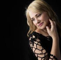 donna bionda caucasica foto