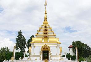 il design dell'architettura buddista della pagoda foto