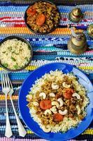 trito speziato con albicocche secche, anacardi e couscous