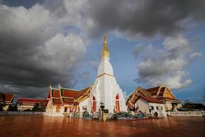 wat pratat choeng chum, sakonnakorn, thailandia foto