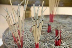 bastoncini d'incenso - immagine di riserva foto