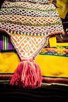 tessuto colorato al mercato in Perù, sud america