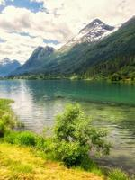 foto scattata in olden, norvegia
