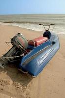moto d'acqua sulla spiaggia delle festività natalizie foto