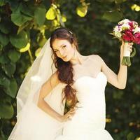 giovane sposa caucasica foto