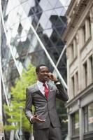 uomo d'affari afroamericano sicuro foto