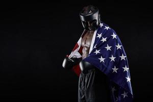 pugile maschio con bandiera americana foto