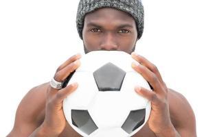 vicino ritratto di un appassionato di calcio serio foto