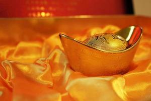 lingotto d'oro cinese tradizionale foto