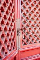porte dell'otturatore rosso asiatico foto