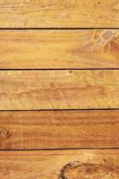 pannello murale in legno marrone foto