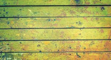vecchia struttura di plancia dipinta in legno verde foto
