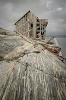 edificio abbandonato foto