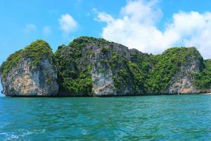 isole cat ba e formazioni rocciose foto