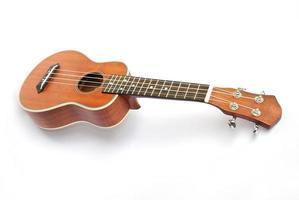ukulele sul backgruond bianco foto
