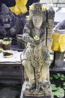 statua in un tempio indù a Jimbaran, Bali, Indonesia.