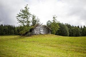 vecchia tettoia di legno