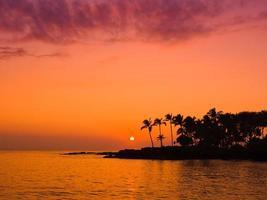 tramonto dell'isola delle hawaii foto