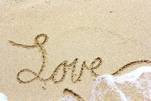 amore nella sabbia foto