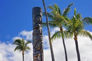 tiki hawaiano foto