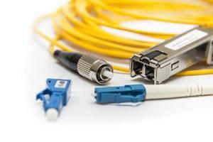 fibra ottica isolata su bianco foto