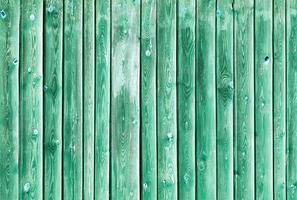 la struttura in legno verde con motivi naturali foto