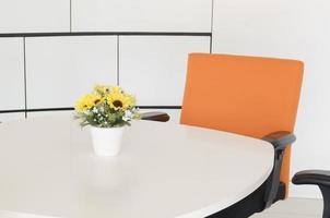 spazio di lavoro in un ufficio. concetto di gestione del tempo foto