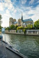 la cattedrale di notre dame a parigi, francia foto