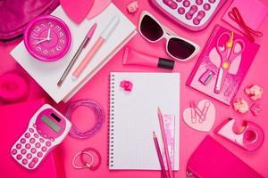 desktop e cancelleria rosa girly