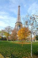 torre eiffel a parigi foto