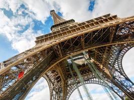 la torre eiffel a parigi foto