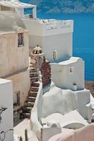 edifici di oia a santorini, grecia foto