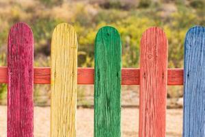 recinzione arcobaleno foto