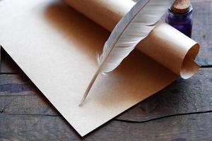 scroll e penna foto