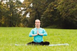 sigillo yoga-saluto / anjali mudra foto