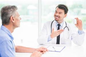 medico e paziente foto