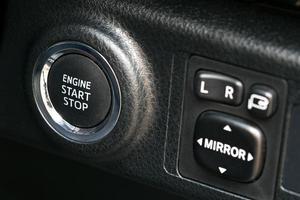 pulsante simbolo avvia motore nuova tecnologia auto sistema. foto