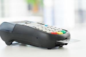 pagamento con carta di credito, acquisto e vendita di prodotti e servizi foto