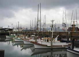 barche da pesca tradizionali del molo del pescatore, California foto