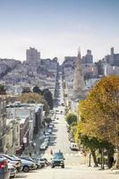 strada ripida a San Francisco, California, Stati Uniti d'America foto