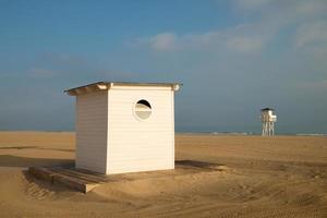 capanna sulla spiaggia foto