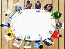gruppo di persone incontro di lavoro concetto di brainstorming foto