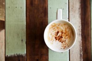 primo piano una tazza di caffè
