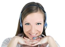 Ritratto di un giovane successo femminile call center dipendente weari foto